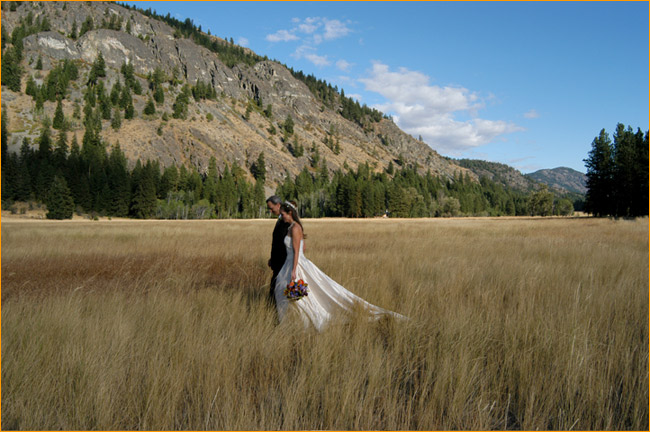 A wedding at the Mazama Ranch House